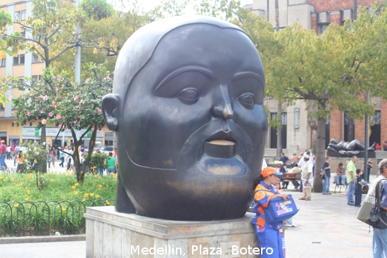 0940_medellin_plaza_botero.jpg